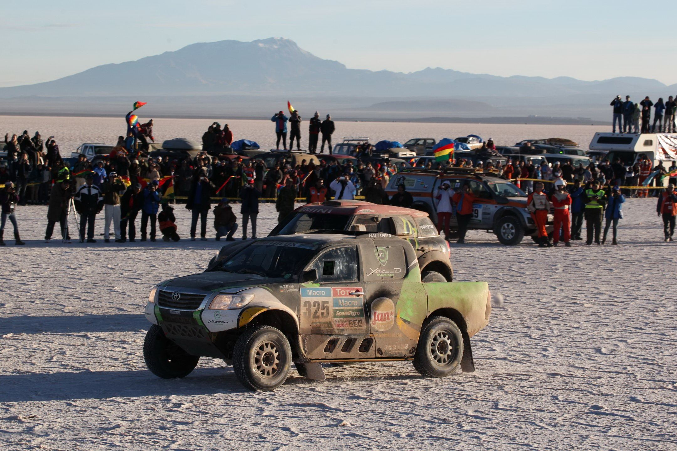 Yazeed and the Hilux Returned from Bolivia with the First Victory in the Auto Category for a Toyota Vehicle.