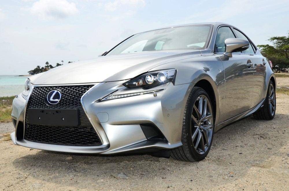 News Garage Cordia Ta Invita Pa E Prome Lexus Test Drive
