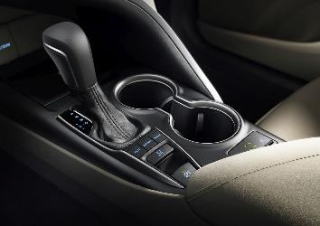 Detail_shot_interior_XLE_6.jpg